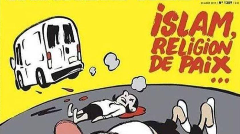 """""""Charlie Hebdo"""" faz capa polémica sobre atentado em Barcelona"""