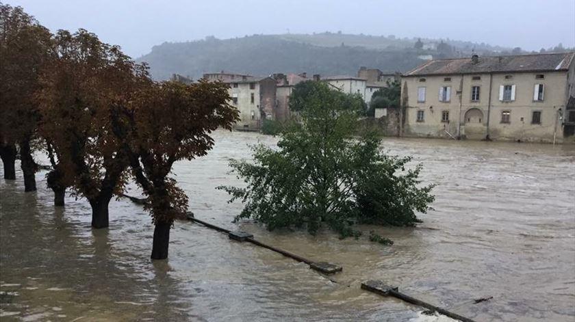 Cheias em França fazem 13 vítimas mortais