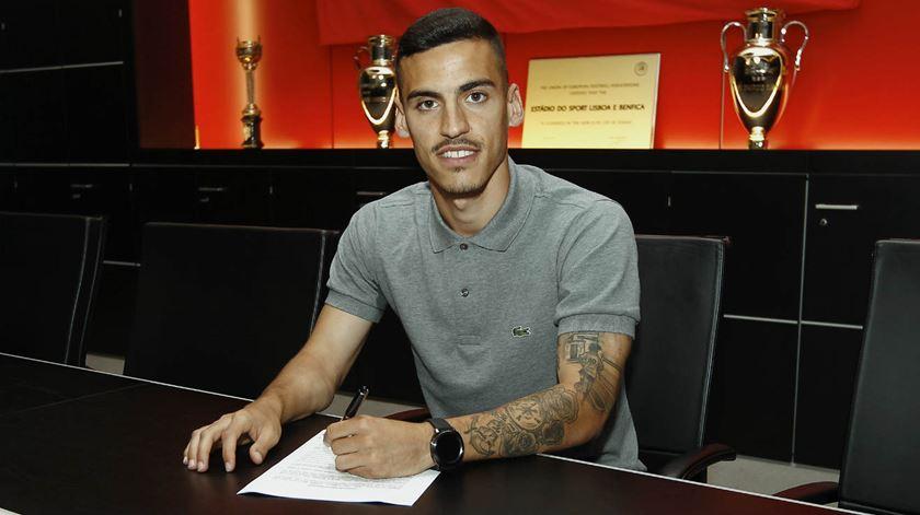 Chiquinho assinou por cinco anos. Foto: SL Benfica
