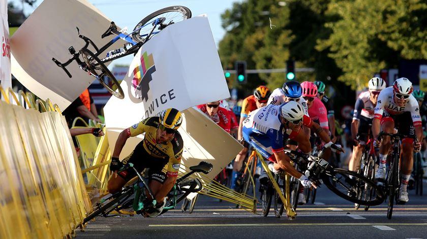 "Ciclismo. Estado de Fabio Jakobsen ""evolui favoravelmente"""