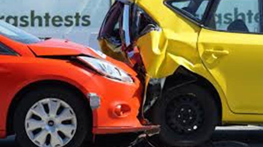 No ano que vem, todos os carros novos vão ter de série sistema de travagem de emergência