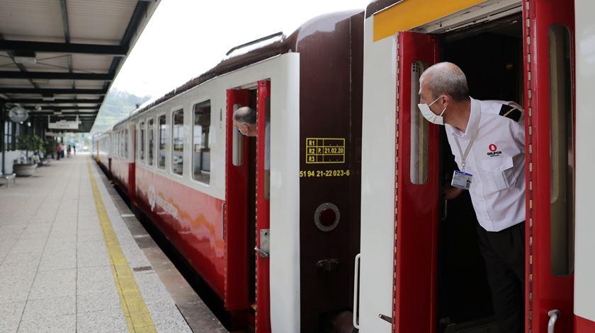 Covid-19. Médicos de saúde pública defendem requisição civil para a greve dos comboios