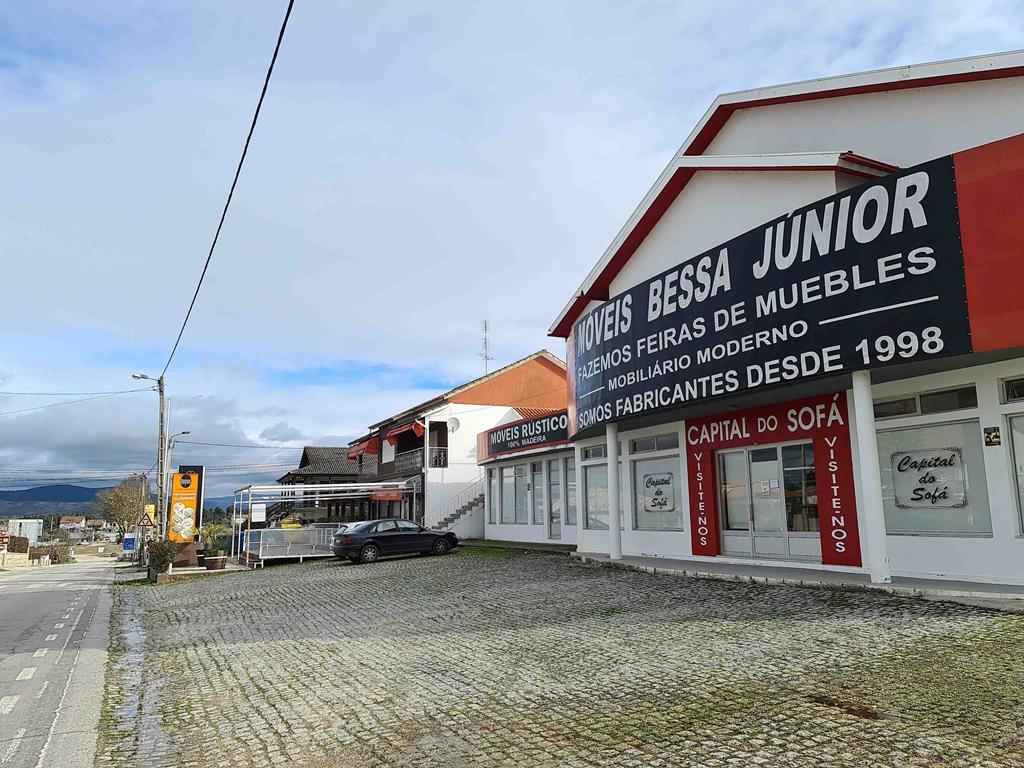 Junto à fronteira, do lado português, o comércio está de portas fechadas. Foto: Olímpia Mairos/RR
