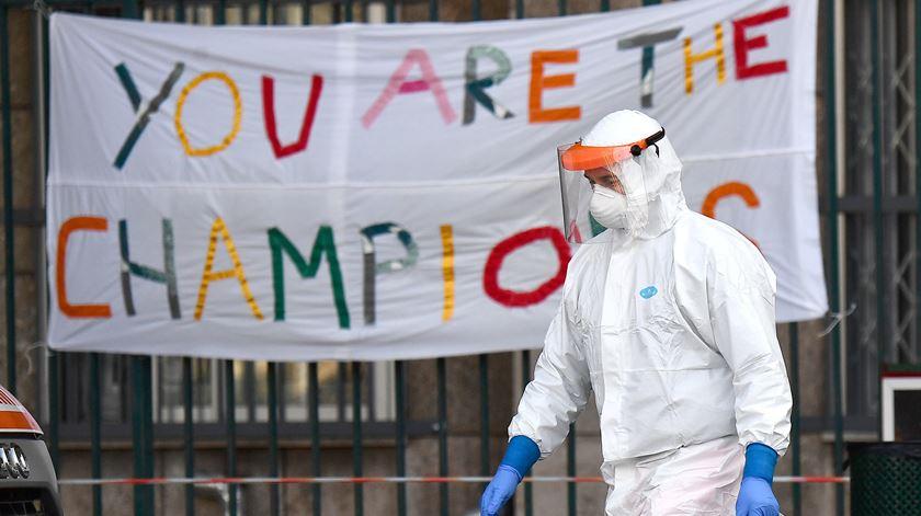 Itália com 85 óbitos e 518 novos casos de infeção nas últimas 24 horas