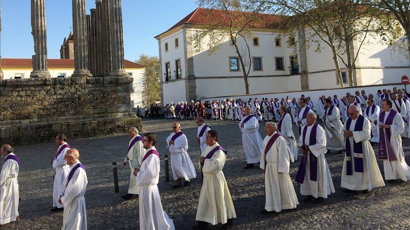 O adeus a D. Maurílio, o arcebispo que tinha um diário - Reportagem de Rosário Silva