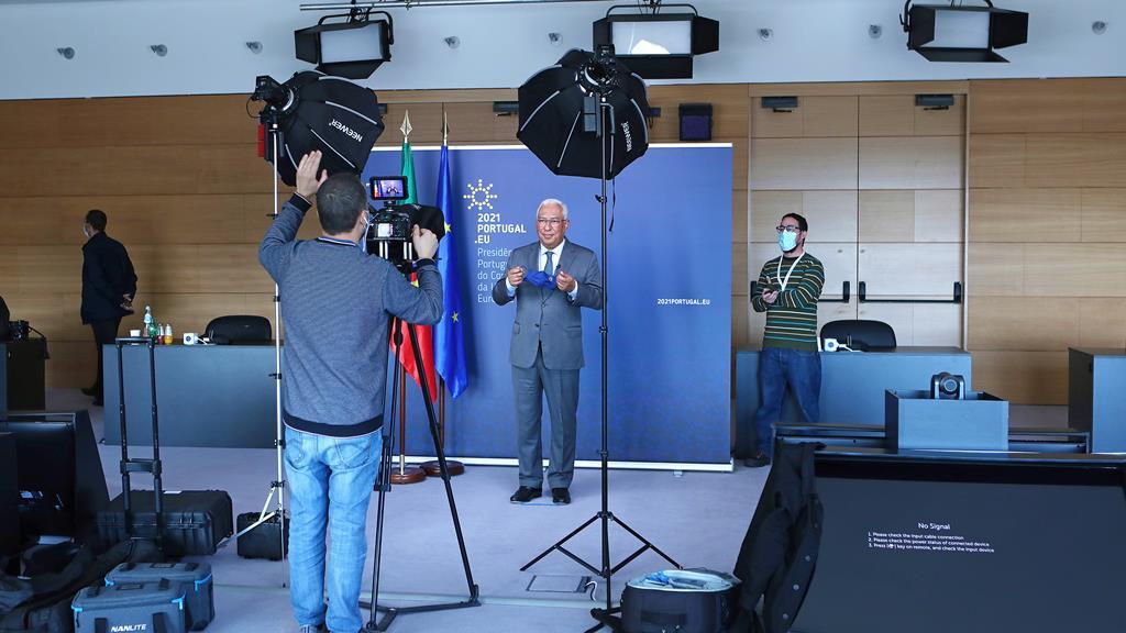 Primeiro-ministro anuncia iniciativas para relançar economia europeia. Foto: António Pedro Santos/Lusa