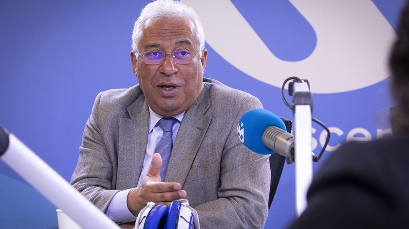 """António Costa. Estado de emergência """"não é prisão domiciliária"""""""