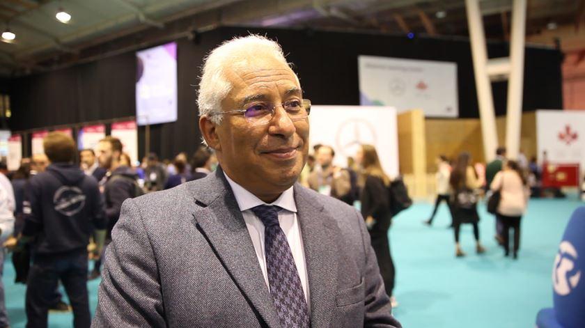 """António Costa. """"Empresas têm que fazer a sua parte"""" para atrair jovens emigrantes"""