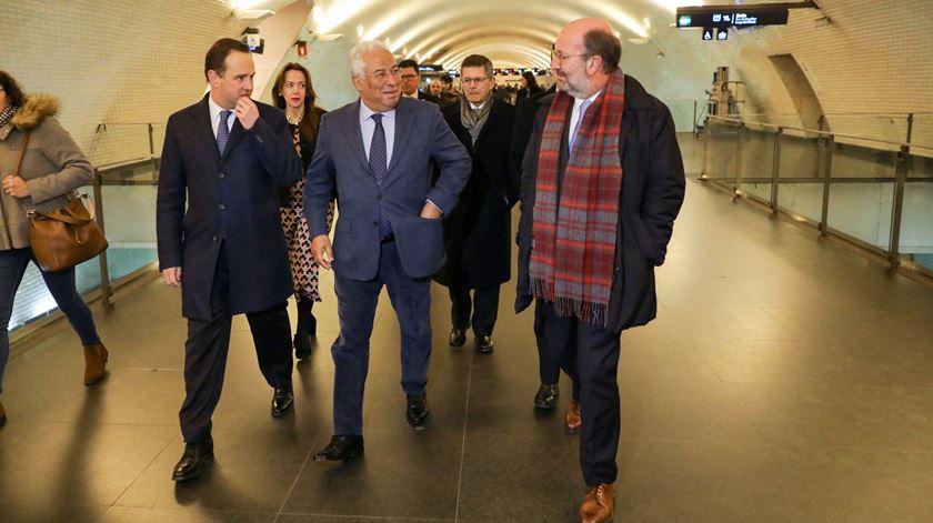 PM, presidente da Câmara e ministro do Ambiente no Metro do Chiado para lançamento das obras de expansão da rede. Foto: Miguel A. Lopes/Lusa