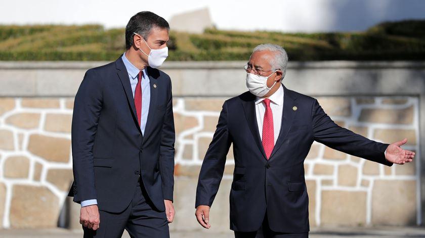 Cimeira Ibérica. Portugal e Espanha afastam novo fecho de fronteiras devido à pandemia