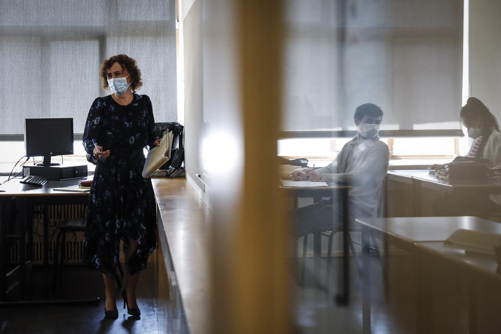 Cerca de 61% dos alunos matriculados no ensino profissional têm entre 15 e 17 anos. Foto: Rodrigo Antunes/Lusa