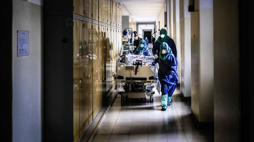 Registadas 7.144 mortes acima da média entre março e setembro