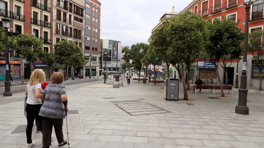 Governo de Espanha diz que novas restrições em Madrid são insuficientes para conter o vírus