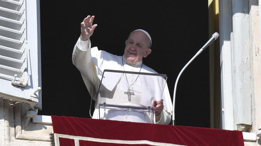"""""""Festejem, no coração, a data do batismo"""". Papa celebra festa do Batismo do Senhor e relembra importância da humildade"""