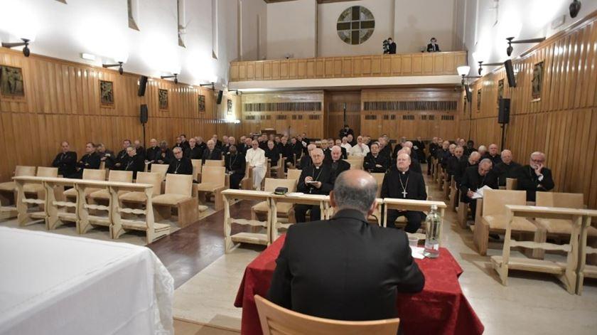 Papa em retiro orientado pelo padre Tolentino Mendonça