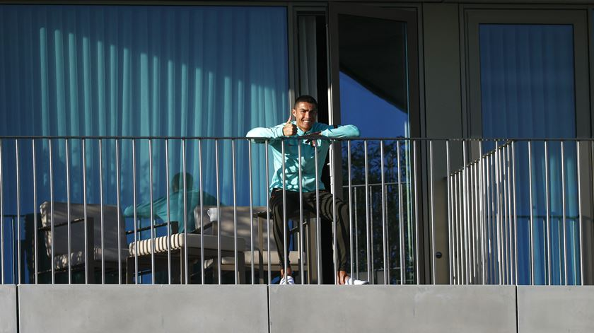Cristiano Ronaldo volta a testar positivo à Covid-19