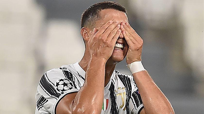 Dois golos de Cristiano Ronaldo não chegaram. Juve não vem a Lisboa