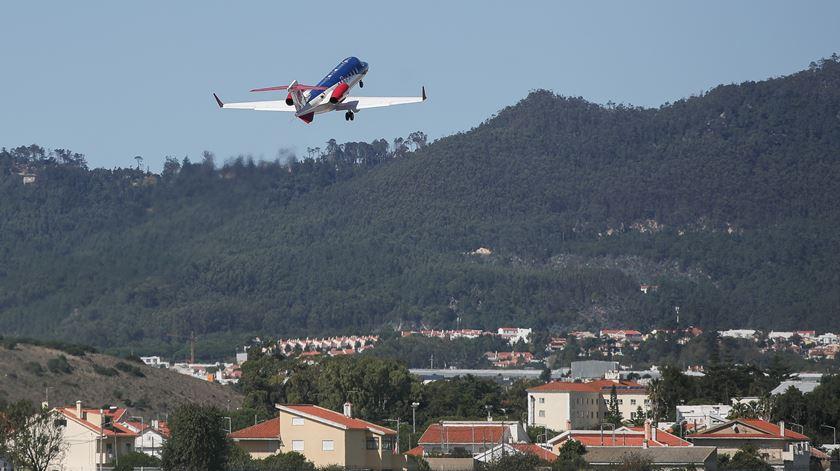 Covid-19. Cristiano Ronaldo deixa Portugal em avião-ambulância privado