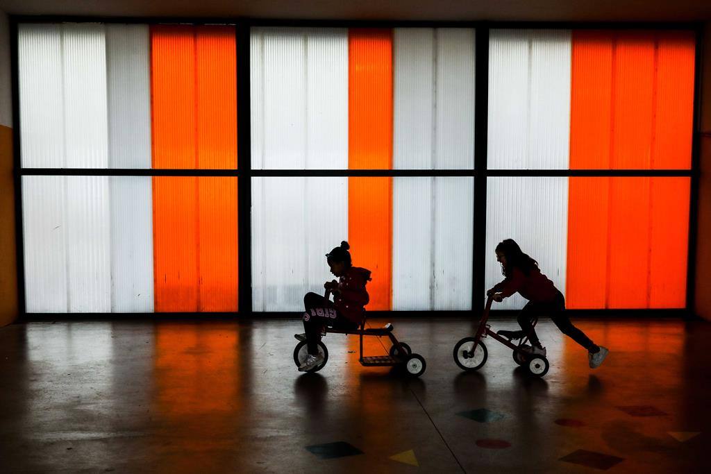 Creches, pré-escolar e restantes escolas devem reabrir em março, defendem especialistas. Foto: Miguel A. Lopes/Lusa