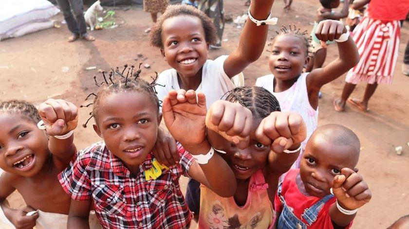 Jesuítas angolanos preocupados com congoleses repatriados