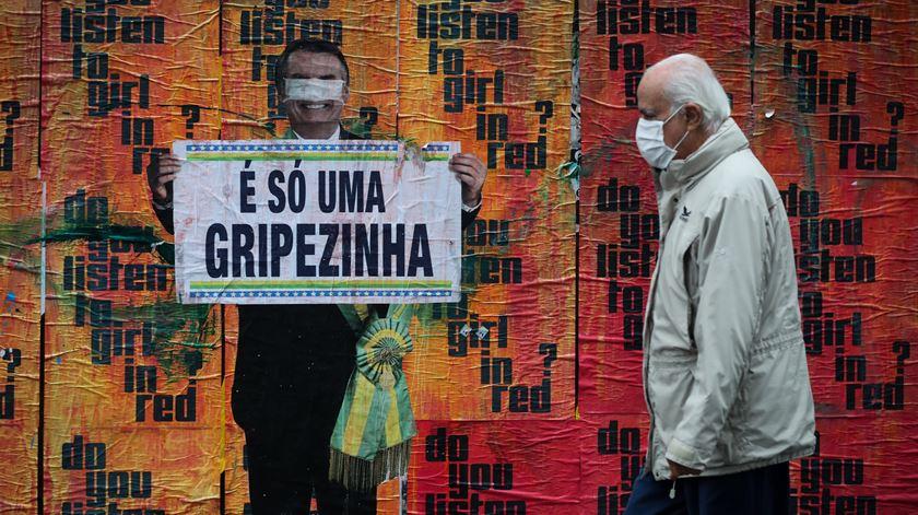 """Bolsonaro defende gestão """"arrojada"""" da pandemia e responde às críticas de ambientalistas"""