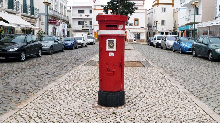 Postos de correio nas juntas de freguesia devem reabrir condicionados