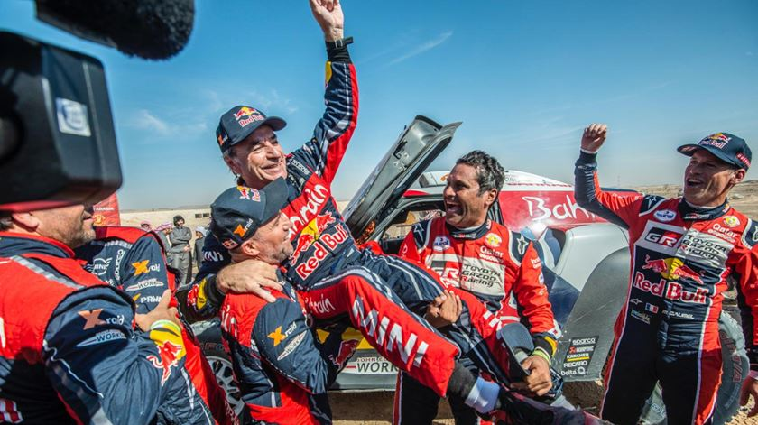 Carlos Sainz vence o Dakar 2020
