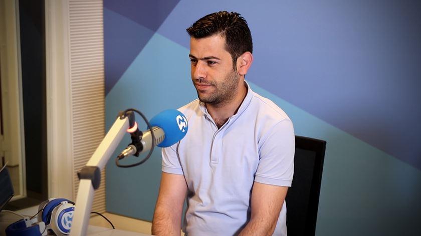 Daud Al Anazy. O refugiado sírio que faz doces em Alcobaça