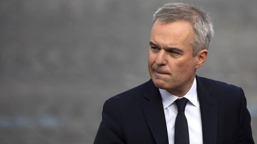 Demissão do ministro do Ambiente obriga Macron a remodelar Governo