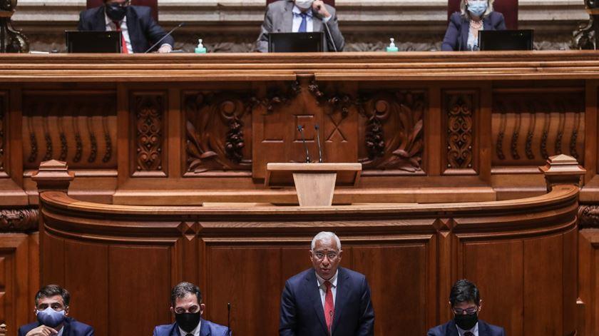 Governo admite alterações ao novo apoio social no debate do OE 2021 na especialidade