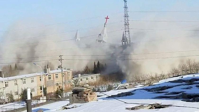 Demolição de Igreja na China. Foto: DR