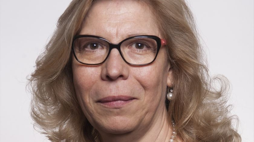 Maria das Mercês Borges demite-se dos cargos em que representava o grupo parlamentar do PSD.
