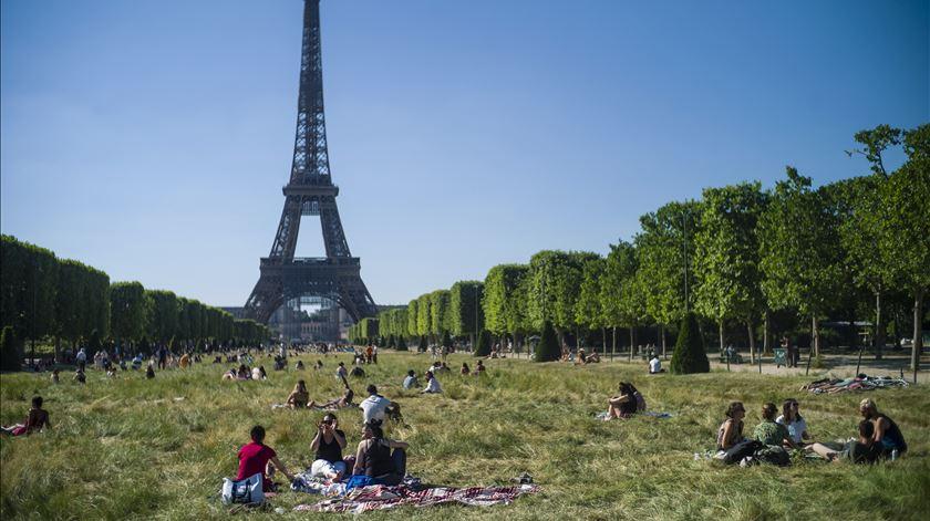 França regista 14.412 novas infeções nas últimas 24 horas