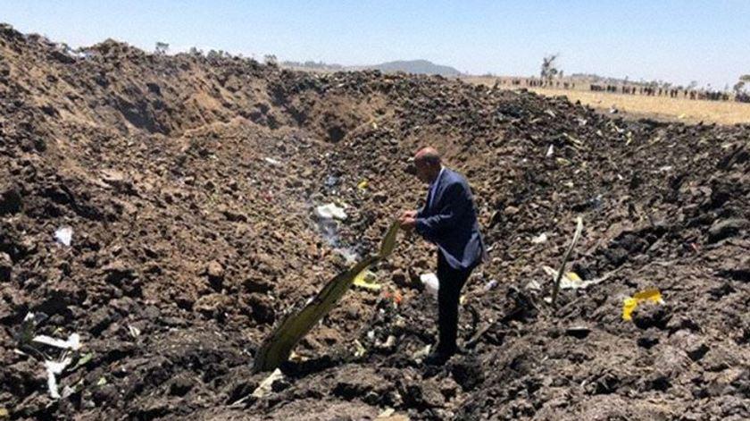 Avião cai na Etiópia e faz 157 mortos
