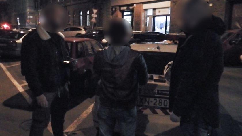 """Rui Pinto. Alegado """"hacker"""" fica em prisão domiciliária na Hungria"""