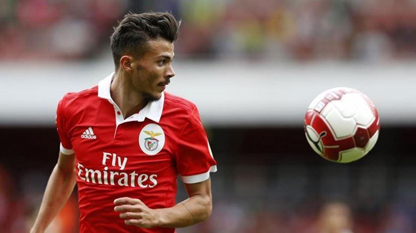 Diogo Gonçalves renova por mais três anos com o Benfica