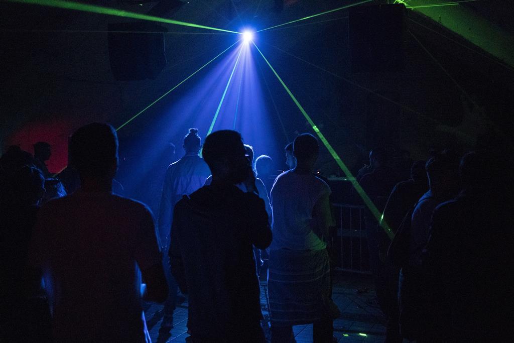 Ainda não será este verão que as discotecas nacionais terão de novo clientes. Foto: EPA