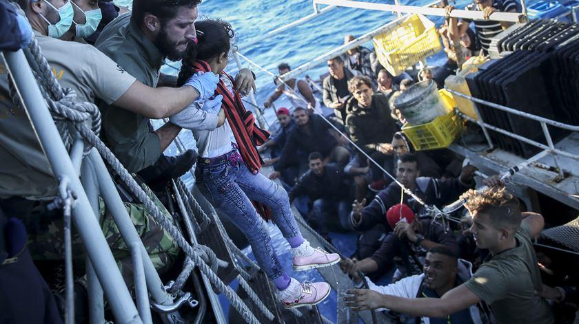 FRONTEX regista diminuição de 77% nas migrações no Mediterrâneo