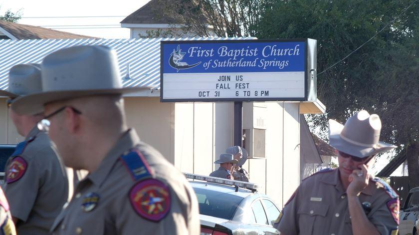 26 mortos em ataque a igreja no Texas