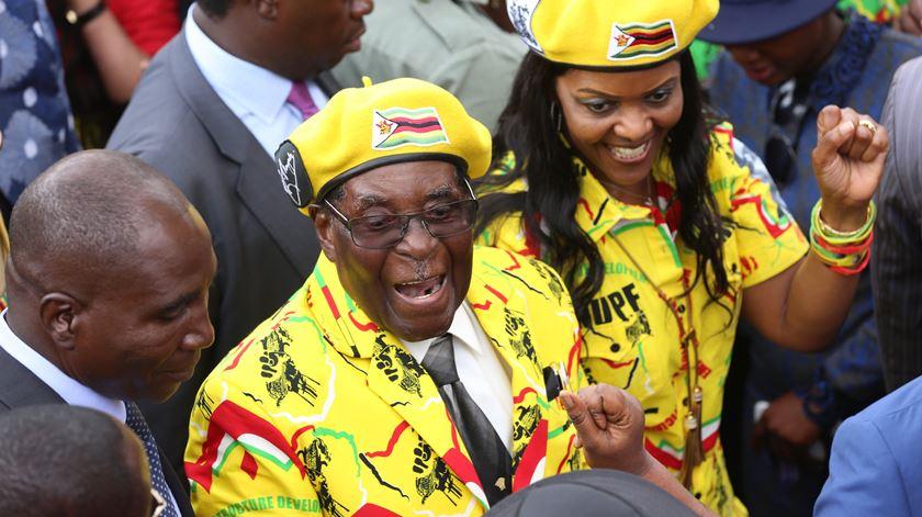 Mugabe está no poder há quase quatro décadas. Foto: Aaron Ufumeli/EPA