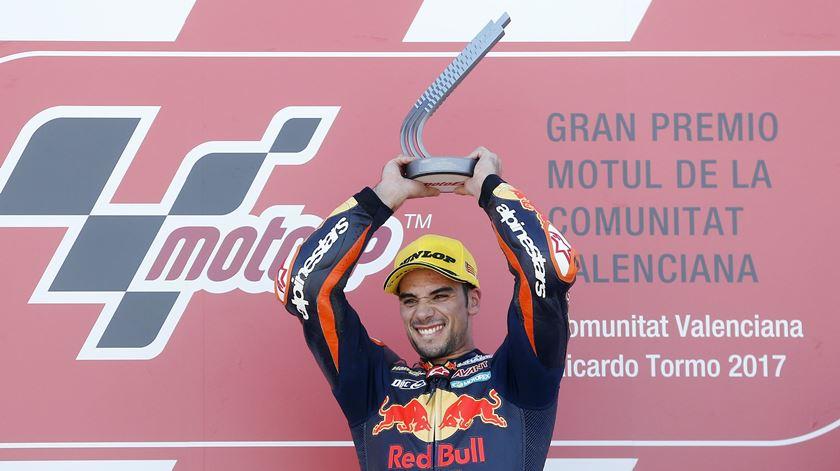 """Miguel Oliveira """"muito feliz"""" com terceira vitória consecutiva no Mundial de Moto2"""