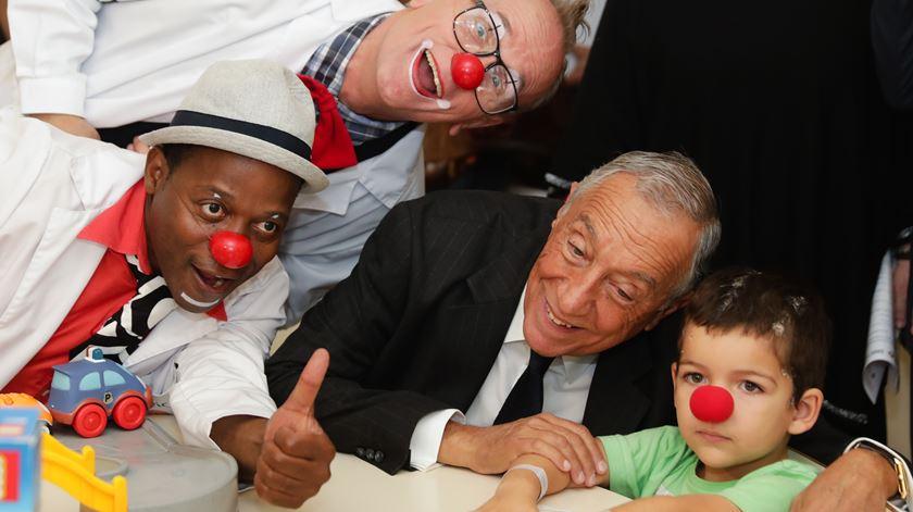 Marcelo Rebelo de Sousa de visita ao hospital D. Estefânia, em Lisboa. Foto: Tiago Petinga/Lusa
