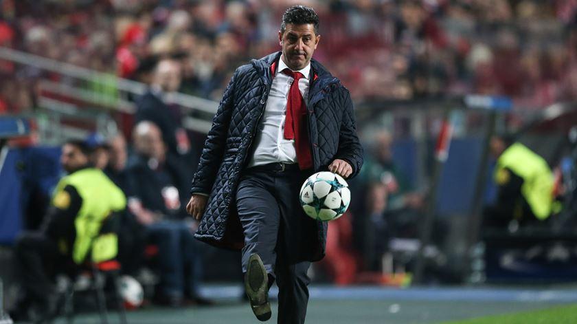 """Rui Vitória e o futuro no Benfica. """"Isso é acessório, não me distrai"""""""