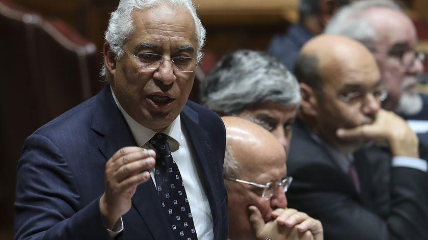 """""""Pela quinta vez. A decisão do Governo é que o Infarmed vai para o Porto"""" - António Costa"""