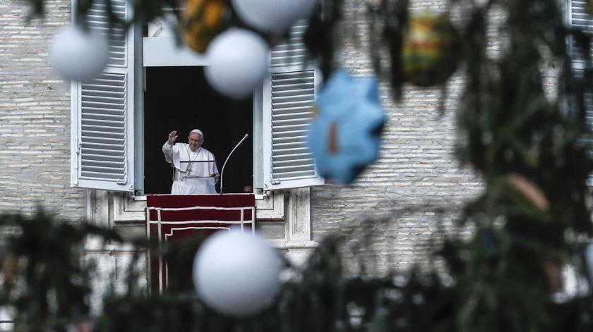 Papa lembra às famílias o caminho do renascimento