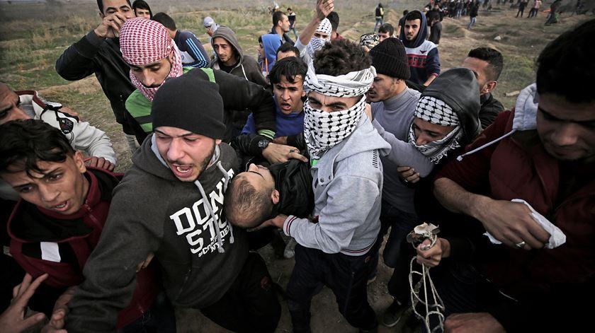 Médio Oriente. Nova explosão de violência faz 4 mortos e 150 feridos