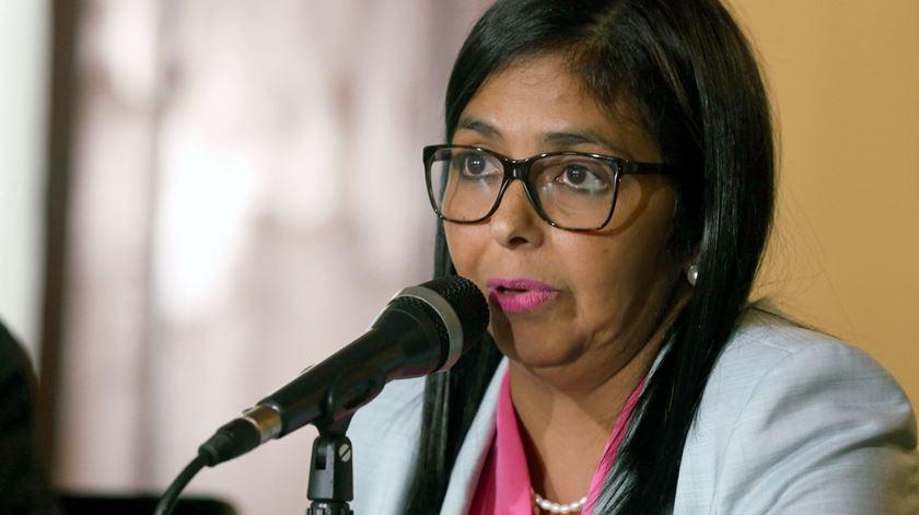 """Ajuda humanitária norte-americana é """"cancerígena"""", alega """"vice"""" de Maduro"""