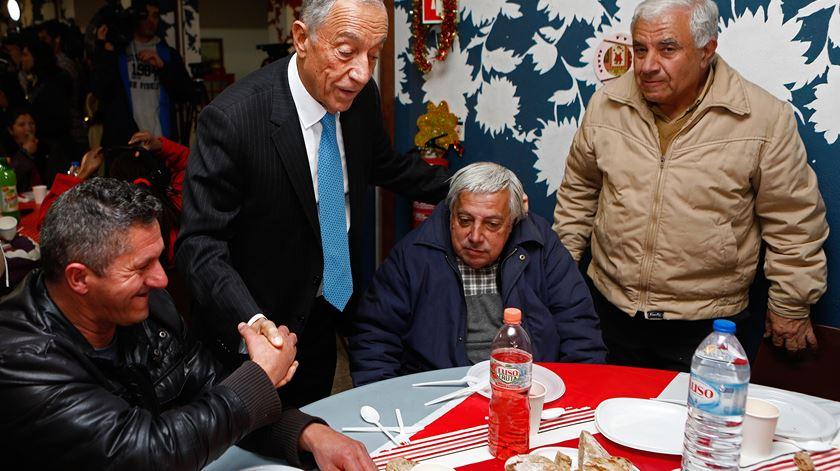 Presidente visitou a associação Refood. Foto: António Pedro Santos/Lusa