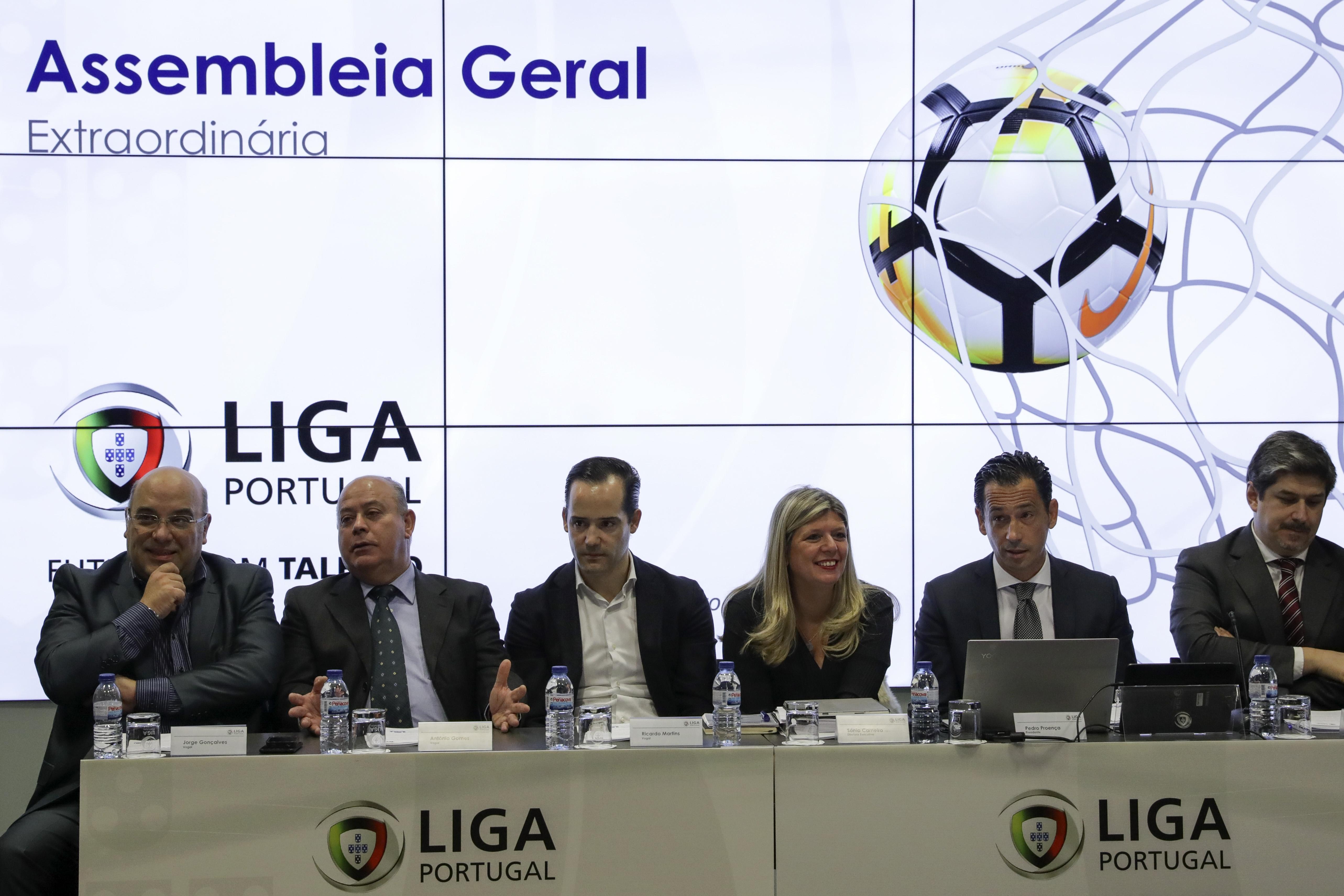 Estreia de Bruno de Carvalho numa AG da Liga de Clubes