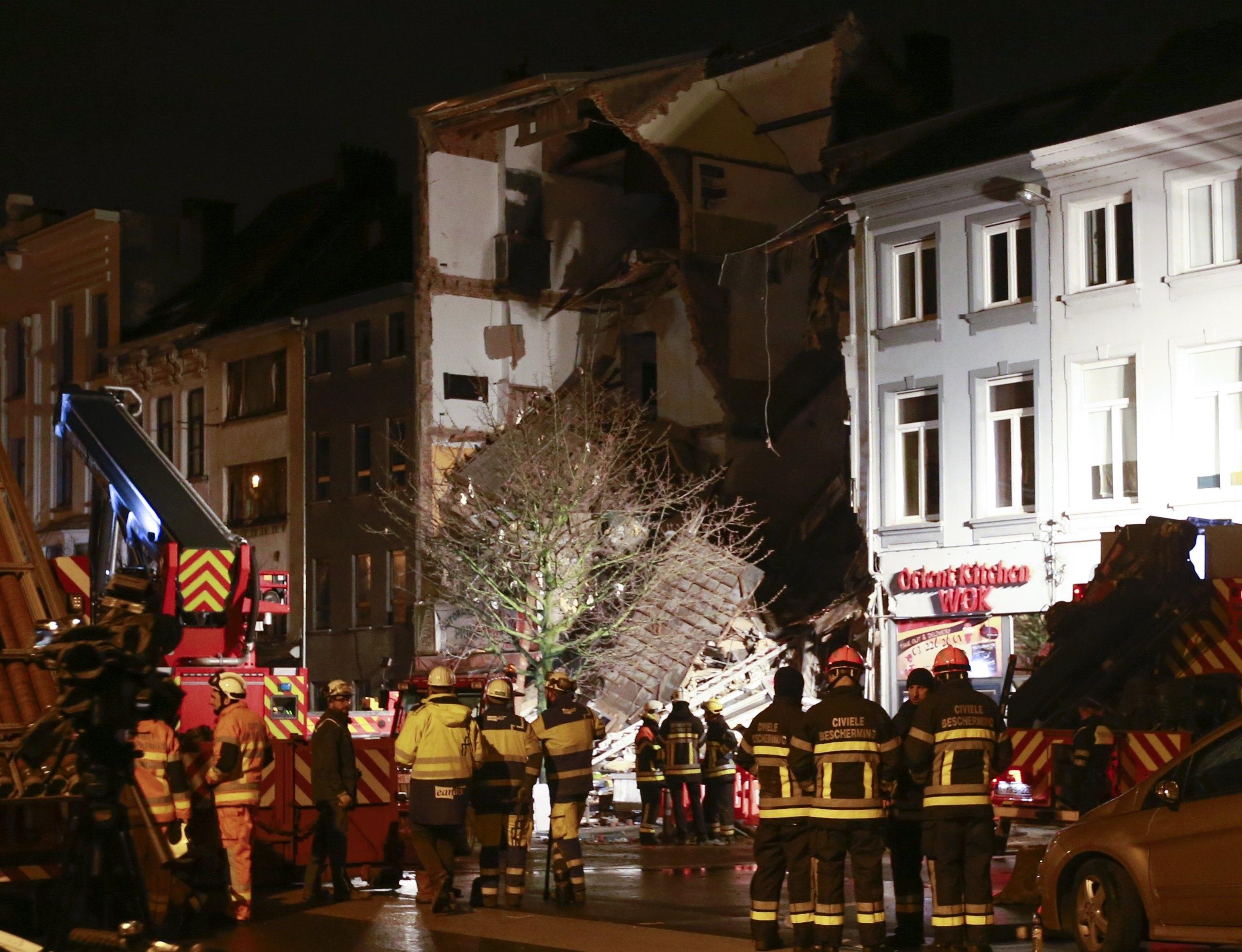Explosão causa colapso de edifício residencial na Bélgica